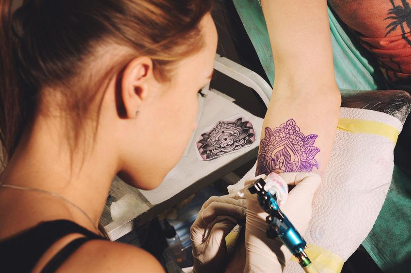 Miért fontos a minőség a tetováló bútorok esetében?